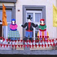 Вот такое украшение балкона! :: Людмила Жданова