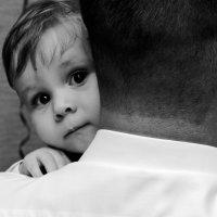 Я хочу что бы папа был всегда рядом....... :: Roman Voron