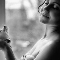 Женщина, когда перестает быть юной и прелестной, становится мудрой и шикарной! :: Оксана Коваленко