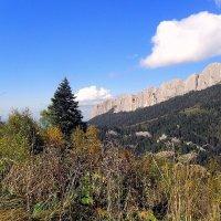 В сентябре, в лесах, с видом на скалы :: Сергей Анатольевич