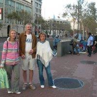 Сан-Франциско. Рыночек бомжей на Маркет-стрит. :: Владимир Смольников