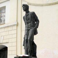 Памятник А.П.Чехову в Камергеском. :: Елена