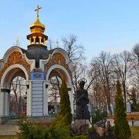 Бювет в парке Михайловского собора :: Ростислав