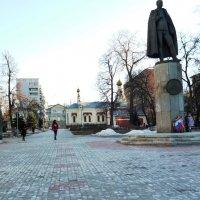 Памятник Нестерову :: Mary Коллар