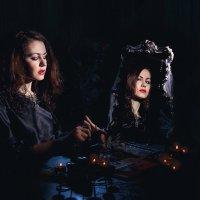 Отражение ведьмы. :: Ольга Чиж