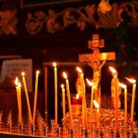 В церкви :: Антон Леонов