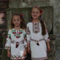 Две сестрёнки-1. :: Руслан Грицунь