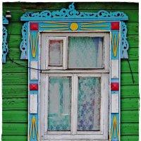 Наличник дома вдоль дороги трассы Холмогоры (русский север) :: Natalia Mihailova