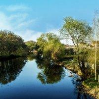 апрель на реке :: георгий  петькун