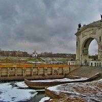 Хмурый март :: Vladimir Denisov