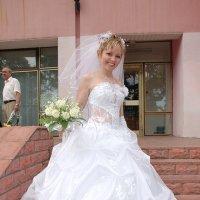Как вам платье? :: Юрий Муханов