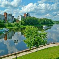 Прогулочные катера на  р. Западная Двина :: Милешкин Владимир Алексеевич