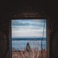 окно в светлое будущее :: Виктор Караев