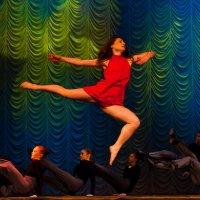 В танце... :: Сергей Потапов