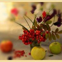 О рябиновой ветке.....или просто сентябрь :: galina tihonova