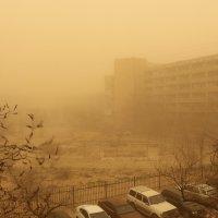 песчанная буря в актау :: Андрей Кирюхин