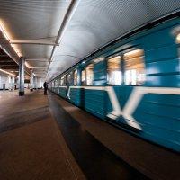 Мелькают вагоны, вагоны, гостиницы и города... :: Ирина Данилова