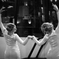 Танец с отражением :: Maggie Aidan