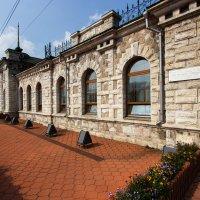 Мраморный вокзал, в Слюдянке :: Оксана Пучкова