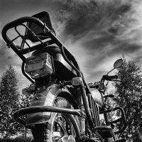 Мотоцикл в ЧБ :: Михаил *******