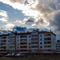 Тучами ночь укрывает дома... :: Анатолий Клепешнёв