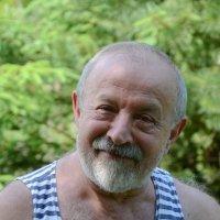 грустный веселый старик :: Сергей Симановский