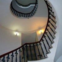 Лестница в Лютеранской церкви Святых Петра и Павла в Санкт-Петербурге :: Инна