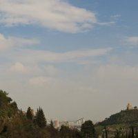 Меж гор :: Наталья Джикидзе (Берёзина)