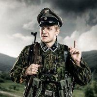 Вторая Мировая Война.  Нацистский офицер :: Максим Апрятин