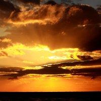 Закат на море) :: Ирина Серова
