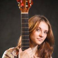 девушка с гитарой :: Сергей M