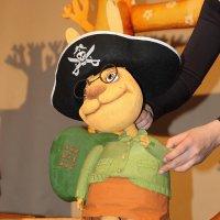 И у пиратов тоже есть бабушки... :: Tatiana Markova