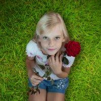 Ангелок и роза :: Светлана Шаповалова