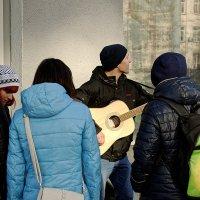 Уличный музыкант :: Sergey Kuznetcov