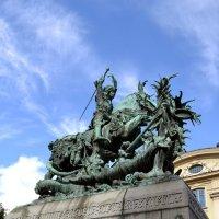 Памятник Георгию Победоносцу :: Ольга