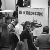 Балтийский завод ждет специалистов... :: Владимир Питерский