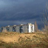 Солнце борется с дождём... :: Сергей Петров