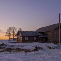 мартовский вечер в деревне :: Андрей Нестеренко