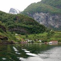 Рай ,затерянный в скалах :: Николай Танаев