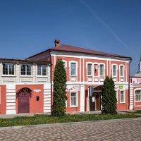 Задонск.Старинный жилой дом с магазинами. Улица Крупской (Соборная), 50 :: Алексей Шаповалов Стерх