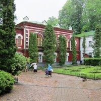 Монастырский двор :: Вера Щукина