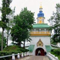 Вход в монастырь :: Вера Щукина