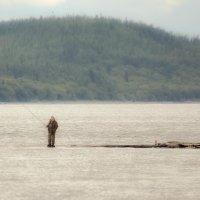 рыбак на реке Обь :: Алена Дегтярёва