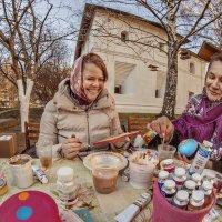 В руках искусных мастериц на свет рождалась красота :: Ирина Данилова
