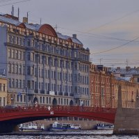 Красный... :: Лариса Ошкина