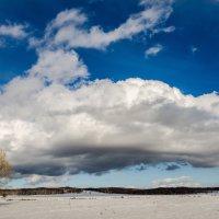 Апрельское облако :: Константин Филякин