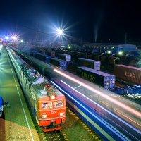 Пассажирский поезд 361 (Наушки - Иркутск Пасс.) на ст Слюдянка 1 и прибытие почтово багажного 973 :: Алексей Белик