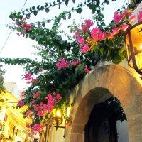 Греция. Узкие улочки Линдоса :: Лера Николова