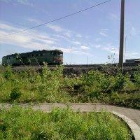 Заполярное лето ...и локомотив :: Kira Martin