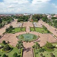 Лаос. Вьентьян. Вид с триумфальной арки :: Владимир Шибинский